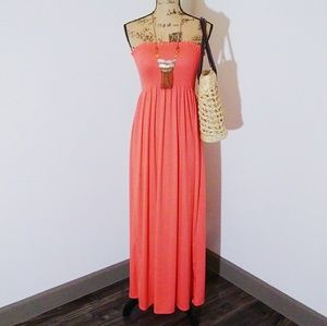 Dresses & Skirts - Strapless Maxi Dress